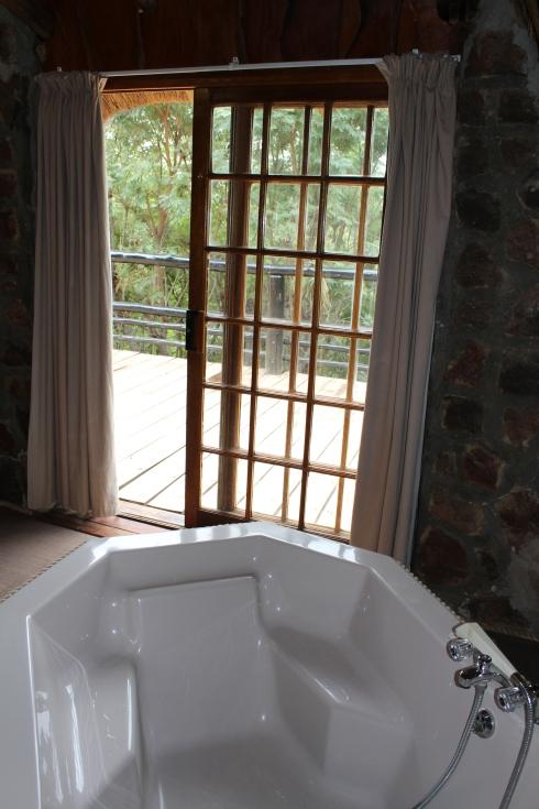 Kwalata bath tub