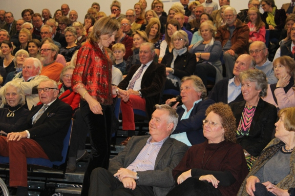 juliet-maddan-with-her-audience