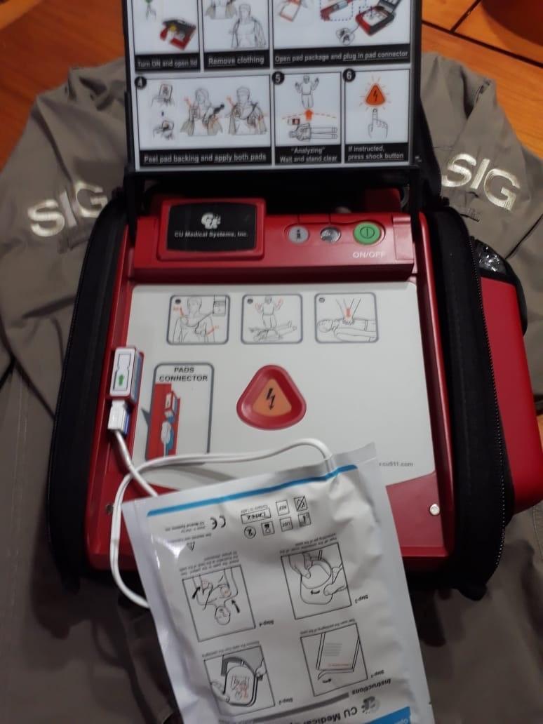 TWT SIG defibrillator open